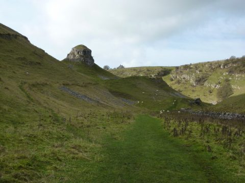 Peter's_Stone,_Cressbrook_Dale_-_geograph.org.uk_-_1564301